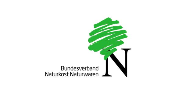 http://www.wirtshaus-im-schloss.de/img/Speisenkarte-Wirtshaus-im-Schloss.pdf